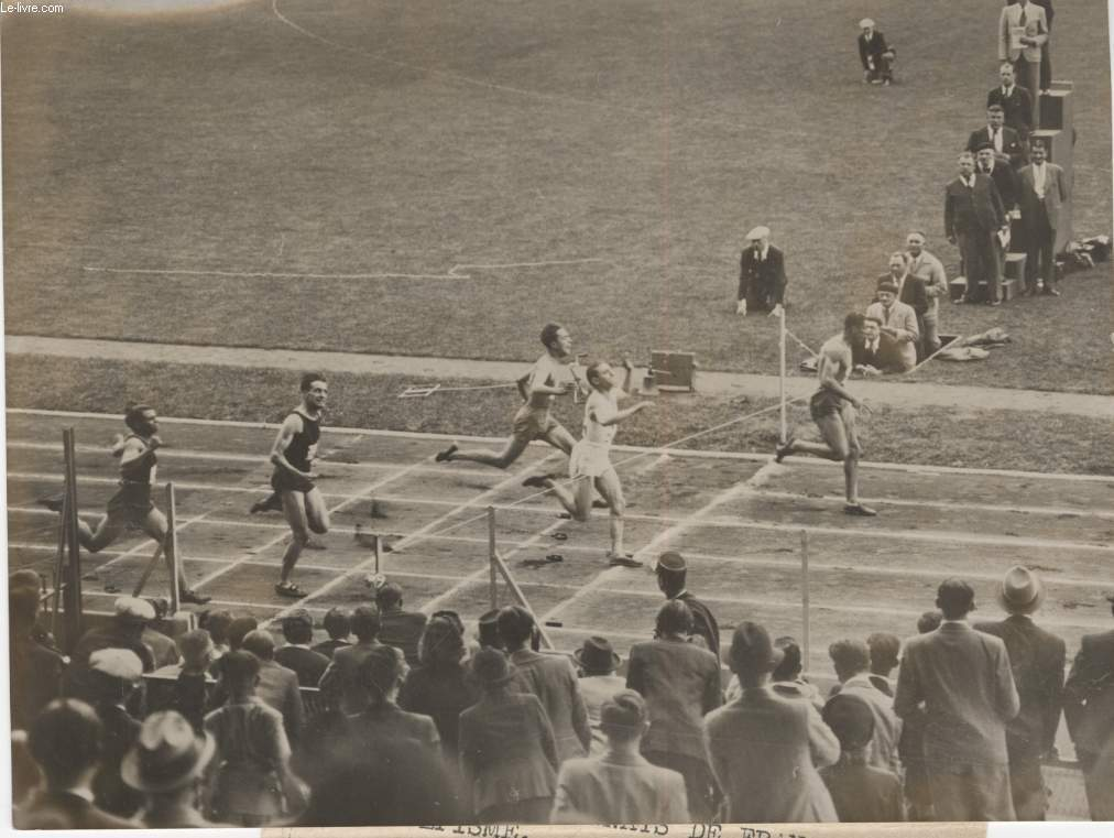 PHOTO ANCIENNE SITUEE - LES CHAMIPIONNATS DE FRANCE D'ATHLETISME