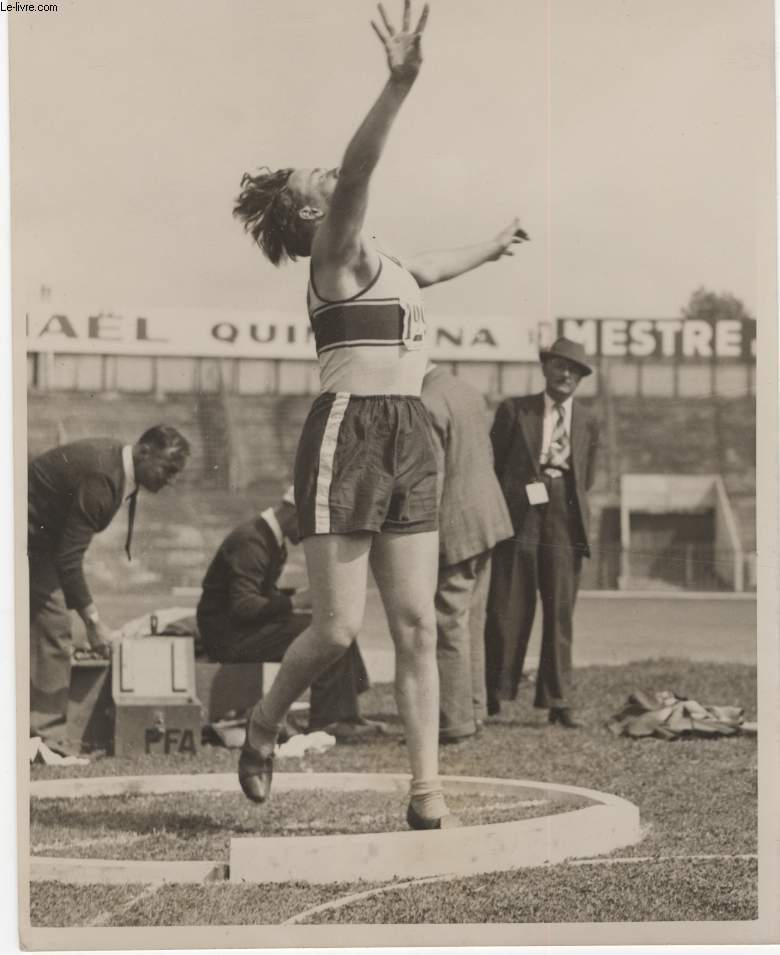 PHOTO ANCIENNE SITUEE - CHAMPIONNATS DE FRANCE D'ATHLETISME A COLOMBE