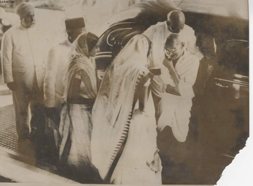 PHOTO ANCIENNE SITUEE - MAHATMA GHANDI