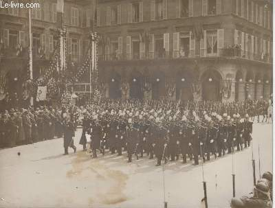 PHOTO ANCIENNE SITUEE - DEFILE DE SAINT CYRIENS