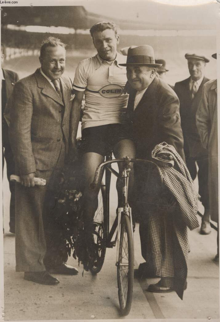 PHOTO ANCIENNE SITUEE - VELODROME DE BUFFALO - 10� GRAND PRIX DE L'.V.F.