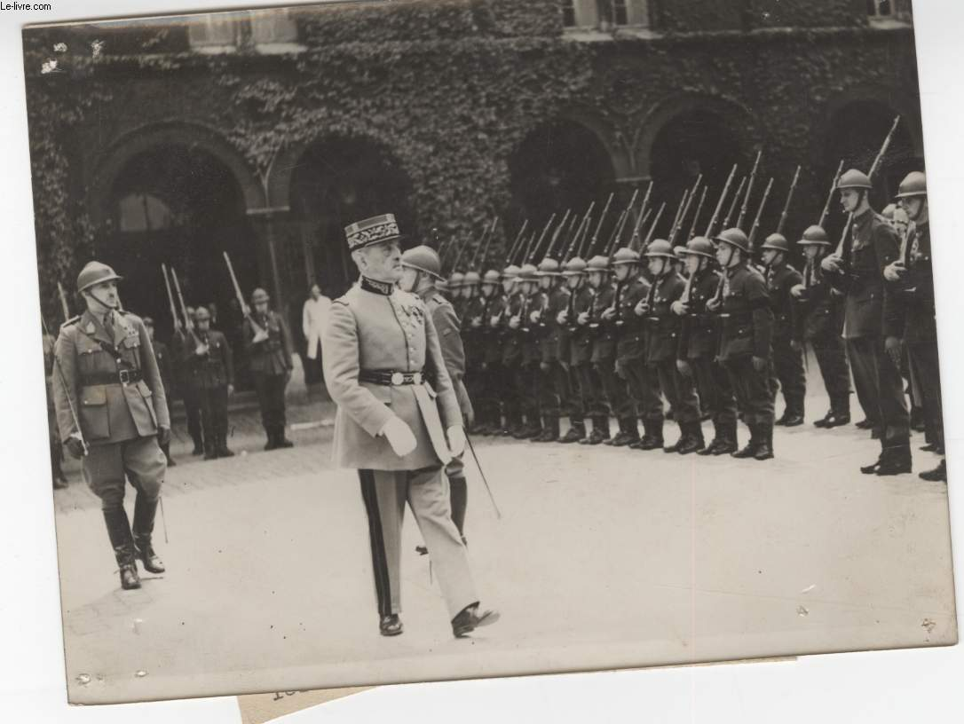 PHOTO ANCIENNE SITUEE - UNE PRISE D'ARMES FRANCO-BELGE