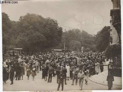 PHOTO ANCIENNE SITUEE - LE GRAND PRIX DE PARIS A LONGCHAMP