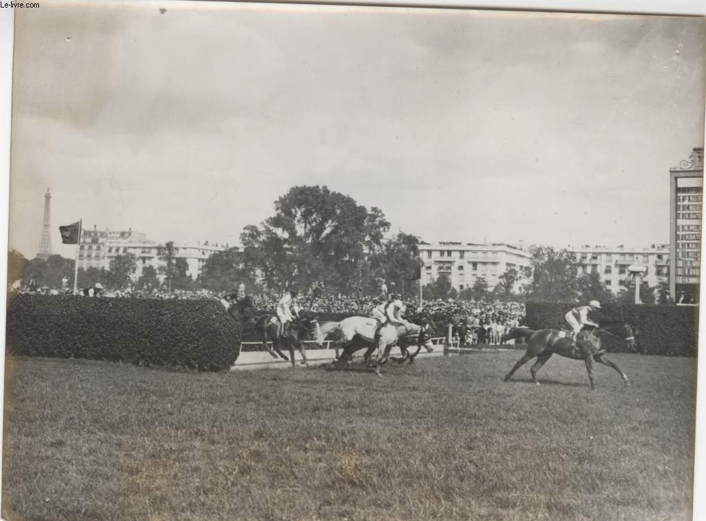 PHOTO ANCIENNE SITUEE - INGRE GAGNE LE GRAND STEEPLE D'AUTREUIL