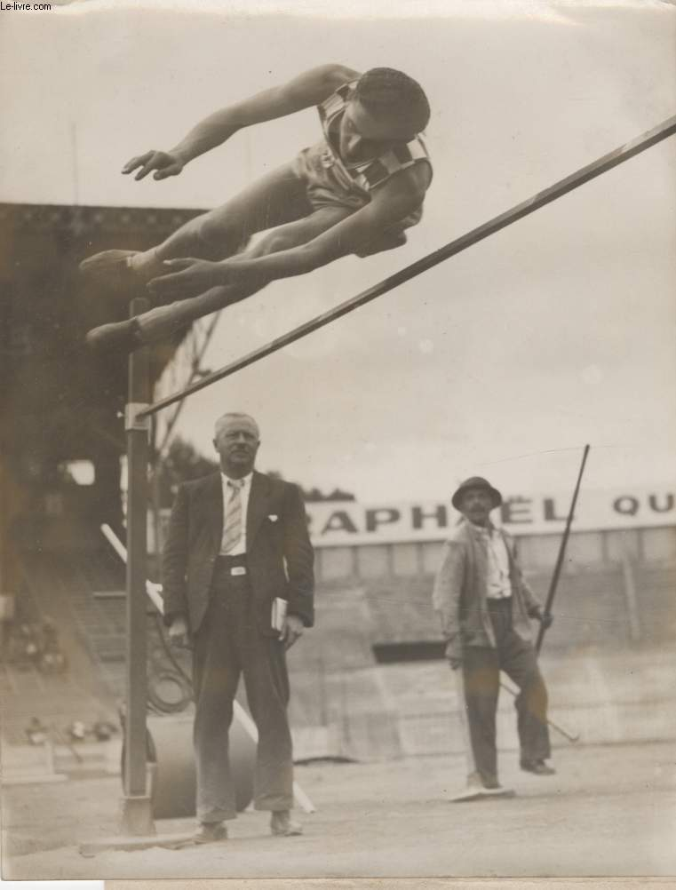PHOTO ANCIENNE SITUEE - LES CHAMPIONNATS DE FRANCE D'ATHLETISME
