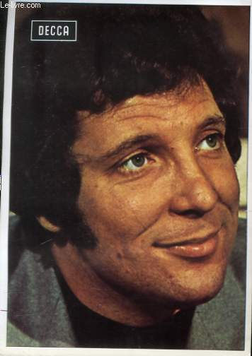1 PHOTO EN COULEURS  TOM JONES