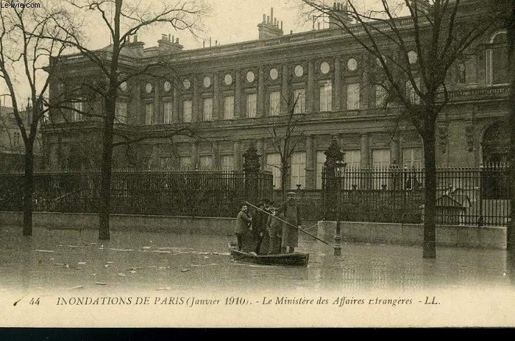 CARTE POSTALE - 44 - INONDATIONS DE PARIS - JANVIER 1910
