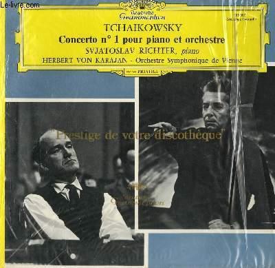 DISQUE VINYLE 33T CONCERTO N°1 POUR PIANO ET ORCHESTRE AVEC SVATOSLAV RICHTER AU PIANO. PAR L'ORCHESTRE SYMPHONIQUE DE VIENNE SOUS LA DIRECTION DE HERBERT VON KARAJAN.