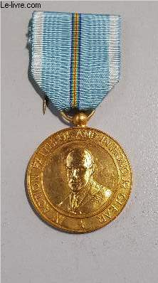 MEDAILLE ORGANISATION MILITAIRE INTER ALLIEE SPHINX -  IN ACTION FAITHFUL AND IN HONOUR CLEAR.