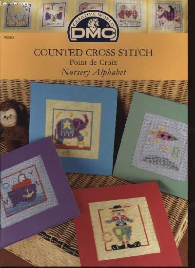 COUNTED CROSS STITCH Point de croix Nursey Alphabet