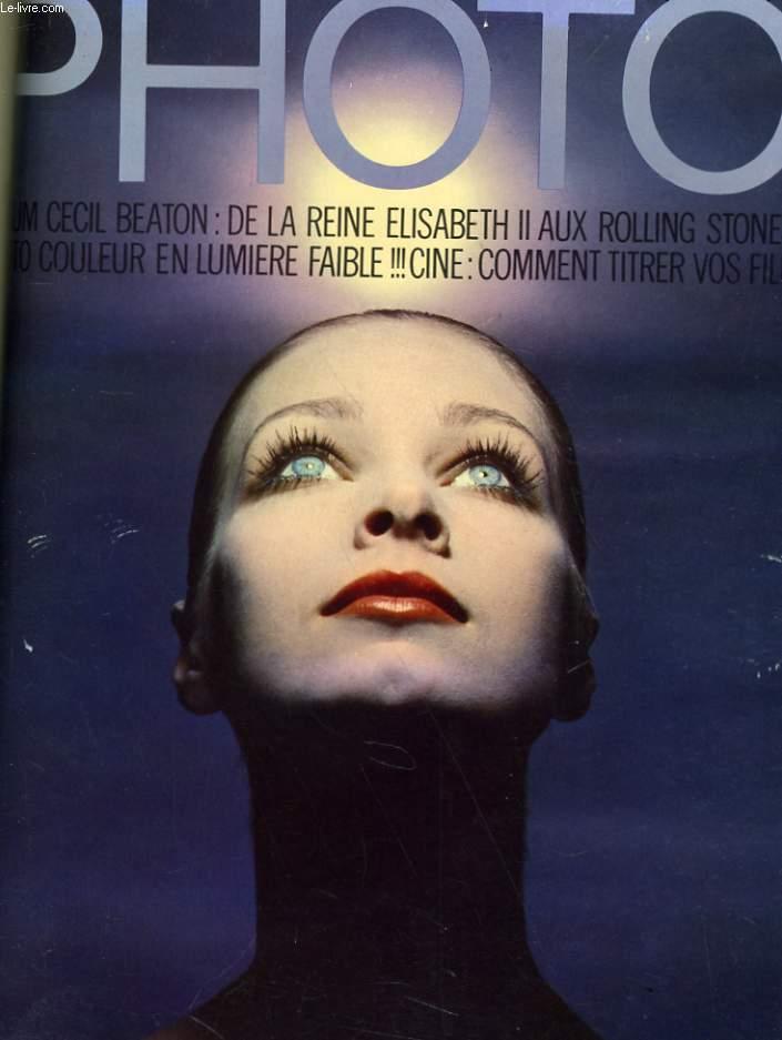 PHOTO N° 30 - ALBUM CECIL BEATON: DE LA REINE ELISABETH IIN AUX ROLLING STONES - PHOTO COULEUR EN LUMIERE FAIBLE - CINE: COMMENT TITRER VOS FILM
