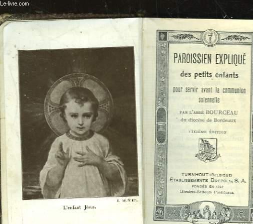 PAROISSIEN EXPLIQUE DES PETITS ENFANTS POUR SERVIR AVANT LA COMMUNION SOLENNELLE