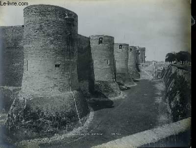 1 PHOTO ANCIENNE EN NOIR ET BLANC - CHATEAU D'ANGERS - COTE NORD - N°221