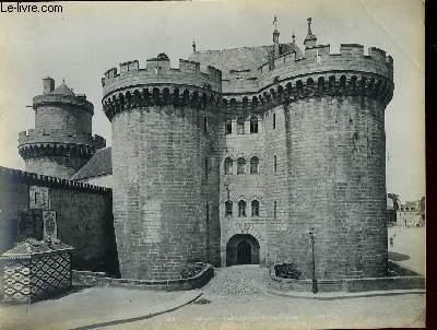 1 PHOTO ANCIENNE EN NOIR ET BLANC - ALENCON, LE CHATEAU DES DUCS D'ALENCON N°201
