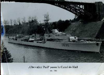 1 PHOTO ANCIENNE EN NOIR ET BLANC - CHEVALIER PAUL PASSE LE CANAL DE KIEL