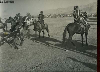 1 PHOTO ANCIENNE EN NOIR ET BLANC - A VIEW OF BUZKASHI GAME, AFGANISTAN