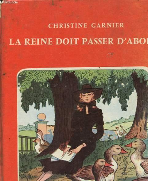 LA REINE DOIT PASSER D'ABORD