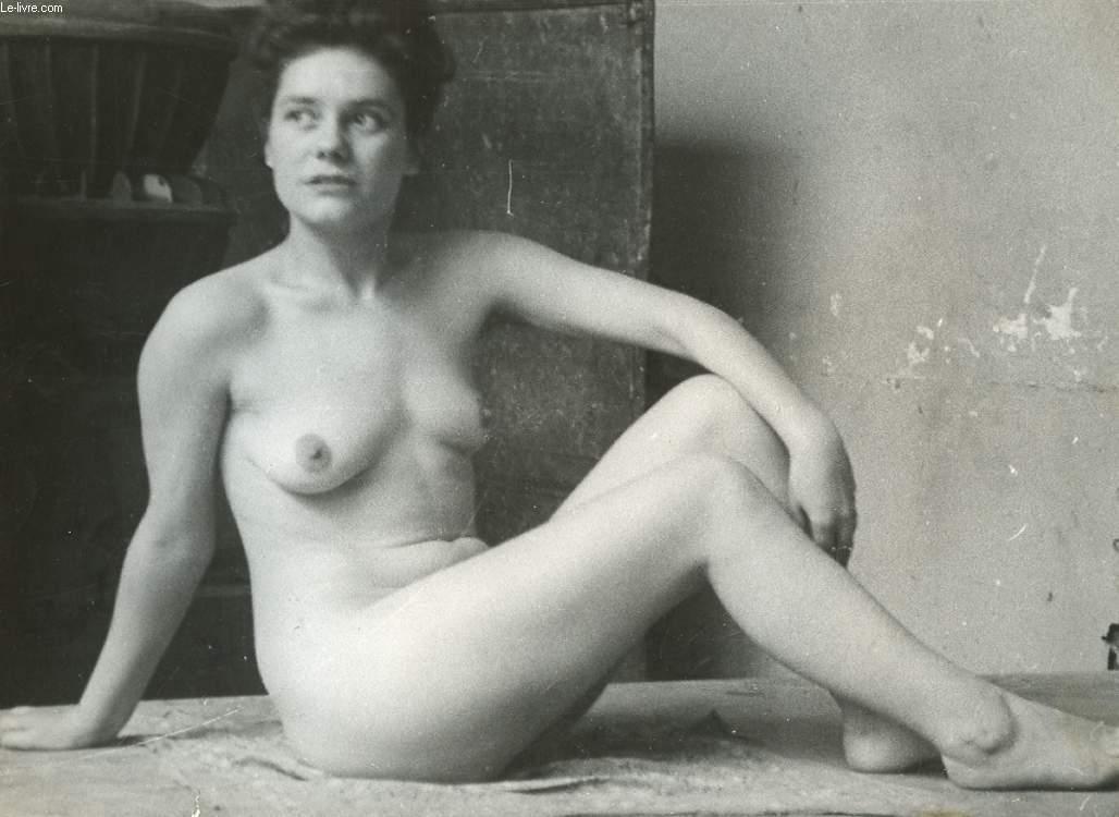 1 PHOTO D'ART, ARGENTIQUE, EROTIQUE EN NOIR ET BLANC D'UNE FEMME