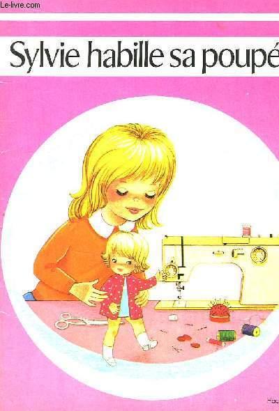 Sylvie habille sa poupée