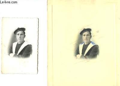 Lot de 2 cartes postales en noir et blanc, et de la gravure d'origine en couleurs, donnant l'imprimé des 2 cartes. Représentant un Marin de Bizerte