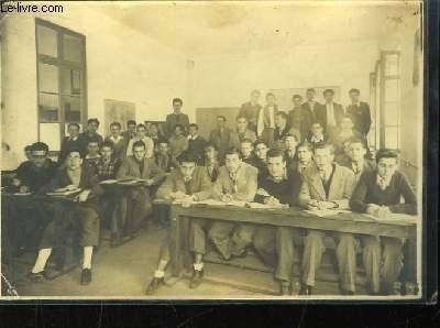 Photographie Originale de l'Ecole de Radiotélégraphie de la Chambre de  Commerce de Marseille. 1ère année 1948 - 1949.