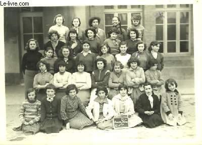 Photographie originale de la Classe Féminine de Roucas Blanc, 1ère année 1955 - 1956