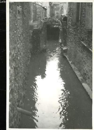 Photographie Originale du Ruisseau de Dombiers (?) en F�vrier 1946