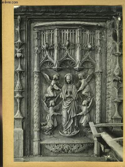 Lot important, environ 500, de photographies anciennes originales, en noir et blanc. Vues de différents sites et ornements religieux. Gargouilles. Chapiteaux. Ancien Evêché et Cathédrale de Sées (1953)