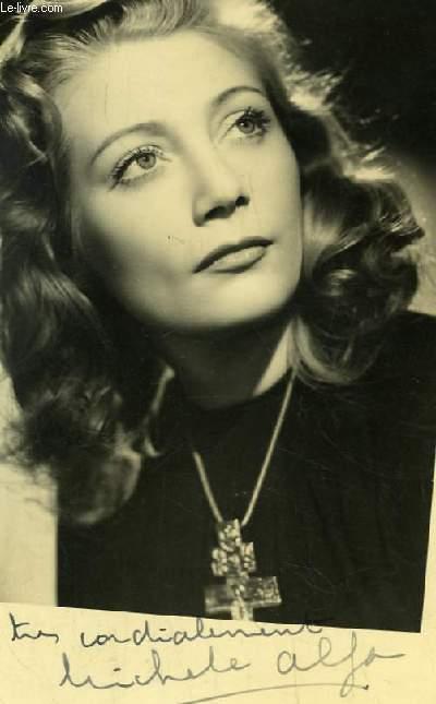 Photographie en noir et blanc, autographée par Michèle Alfa.