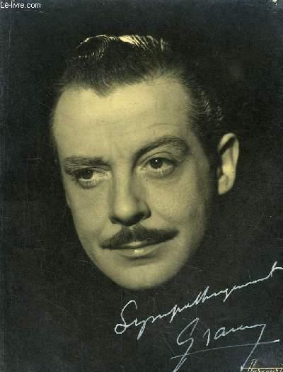 Photographie en noir et blanc, autograph�e par Grams ou Gray, ou Grany ou Gramy ??