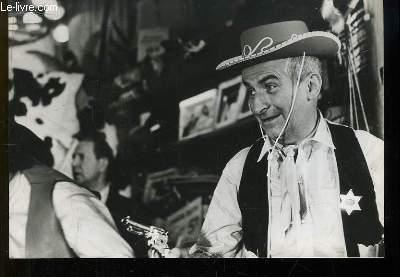 1 photographie de presse argentique, en noir et blanc, tirée du film