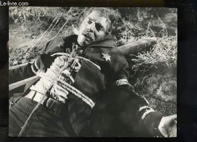 1 Photographie en noir et blanc de Burt Lancaster en shériff ligoté.