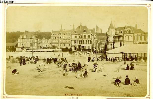 1 photographie originale, albuminée en noir et blanc, de la Plage de Trouville