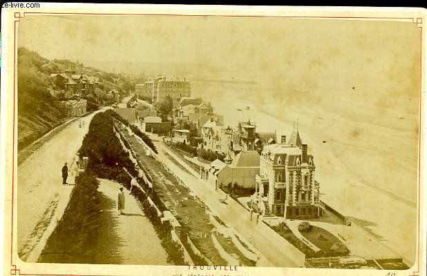 1 photographie originale, albuminée en noir et blanc, de la vue générale des villas à Trouville.