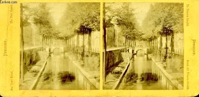 1 planche composée de 2 photographies (identiques) anciennes albuminées : Canal dit Nieuwe Gracht, à Utrecht.