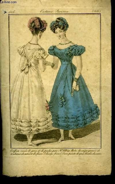 Une gravure XIXe en couleurs, de Costume Parisien. Coiffure ornée de gaze et de perles par Mr. Albin. Robe de crêpe garnie de rouleaux de satin et de fleurs. Echarpe formée d'une pointe de gaze brodée de satin.