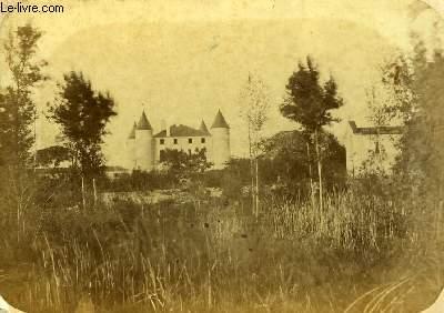 Une photographie originale albuminée, du Château de Livert, à Tonnay-Boutonne.