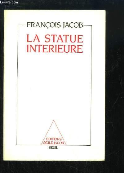 La statue intérieure