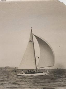 Photo ancienne situee - yachting - la course cowes - dinard